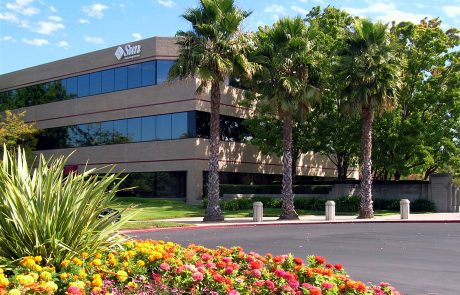 Exterior photo showing Sun Microsystems at Hacienda West, a 208,883 SF Class A office project located in the prestigious Hacienda Business Park in Pleasanton, CA