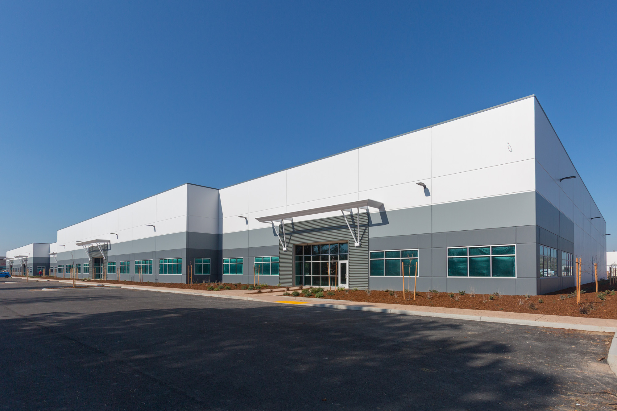 Exterior photo of front of building at The latest addition to Riverside Commerce Center, a 75 acre, master-planned business park in West Sacramento at Stillwater Rd