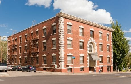 Bel Aire Apartments is a classic brick building that offers studio and one-bedroom apartments within walking distance of NW 21st and NW 23rd Avenues in Downtown Portland.