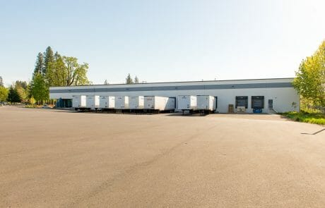 Teton Commerce Center is a recently renovated concrete tilt-up warehouse/manufacturing industrial building on 7.45 acres located in west Tualatin.