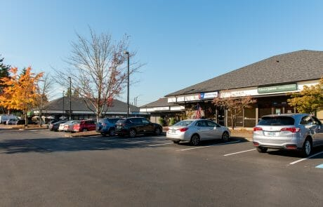Located at the busy corner of SW Pacific Highway & Durham Road, Willowbrook Business Center is a mixed-use property, perfect for accommodating both retail and office needs.