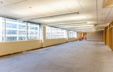 Riviera Plaza is a 159,000 office building offering views of the Willamette and located only a few blocks from the heart of downtown Portland.