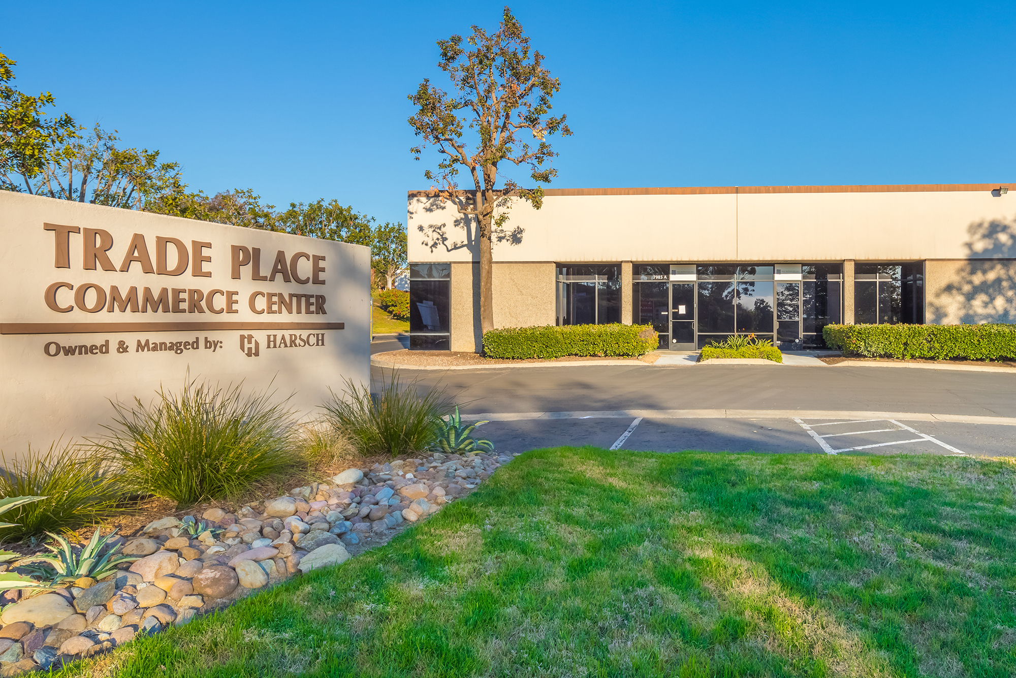 Located in Miramar, the 246,000 square foot Trade Place Commerce Center offers great access to Mira-Mesa and all freeways in and out of the area.