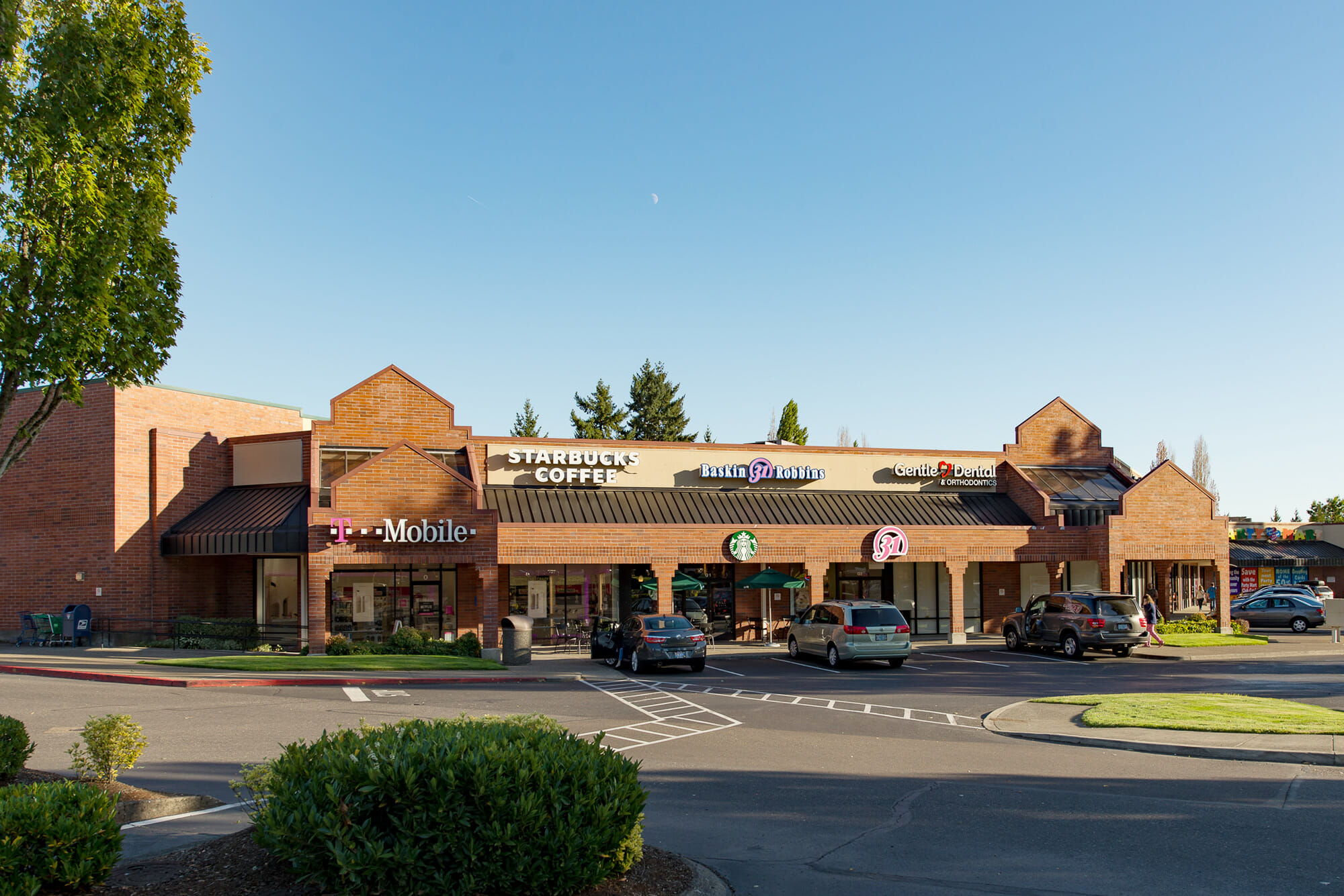 Starbucks, Baskin Robbins, Gentle Dental at TIgard Towne Square