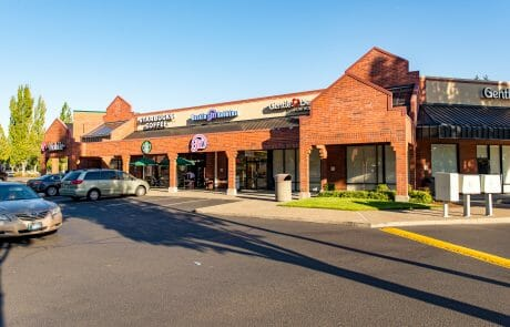 Starbucks, Baskin Robin ice Cream, and Gentle Dental at Tigard Towne Square